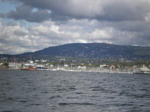 Sejlads med Holmenkollen som baggrund